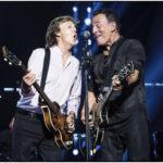 Bruce junto a Paul McCartney en el Madison Square Garden, 15-09-2017